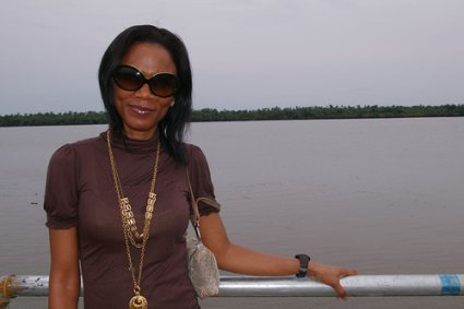 Housewives abduct Funmi Iyanda. Attempt to force feed her